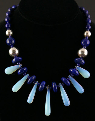 Miramontes Necklace with Heated Chalcedony Drops with Lapis Beads of Various Sizes