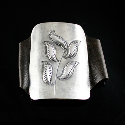 Miramontes Leaf Theme Silver and Leather Ketoh